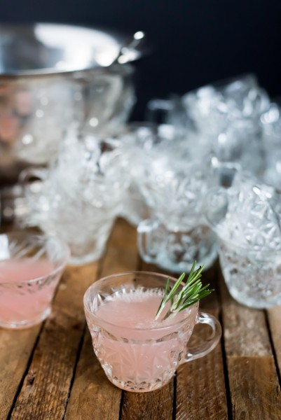 Pink Grapefruit + Champagne Punch for Valentine's | kitchen1204.com